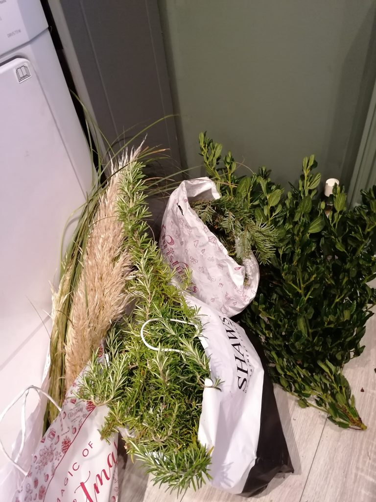 Foliage for the display from @styleatno5