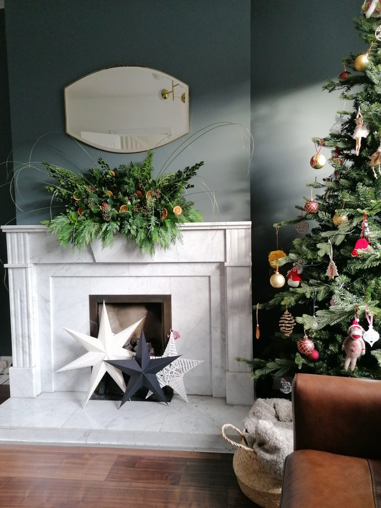 Natural Christmas display, finished display on the mantelpiece from @styleatno5