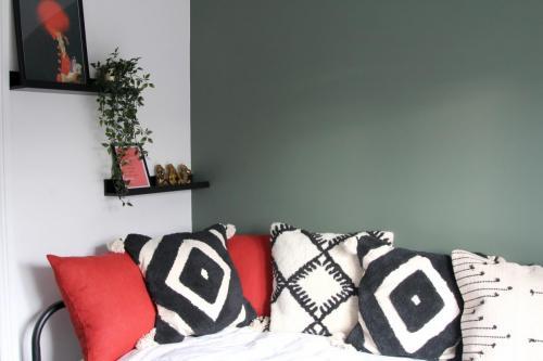Valspar Puddle Jumper green paint