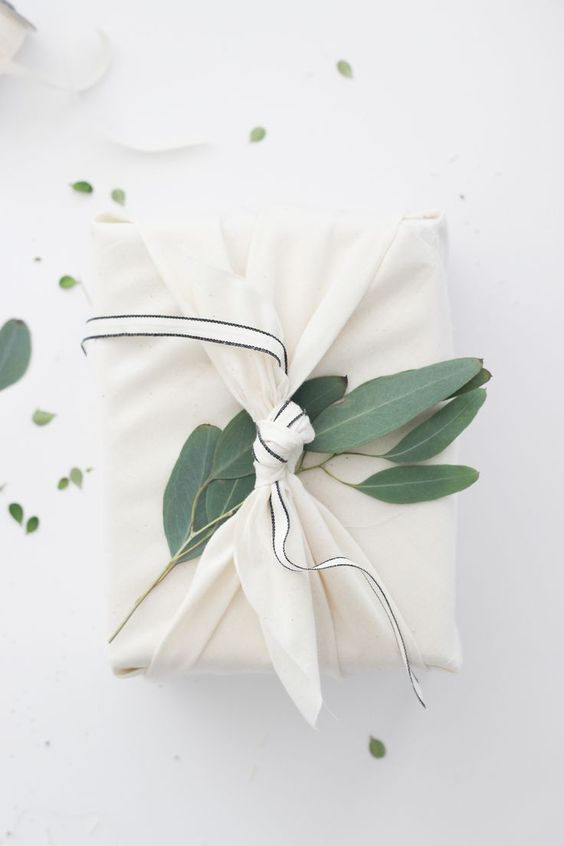 http://www.angelaliguori.com/blog/2018/11/15/furoshiki-gift-wrapping a more sustainable way to wrap presents