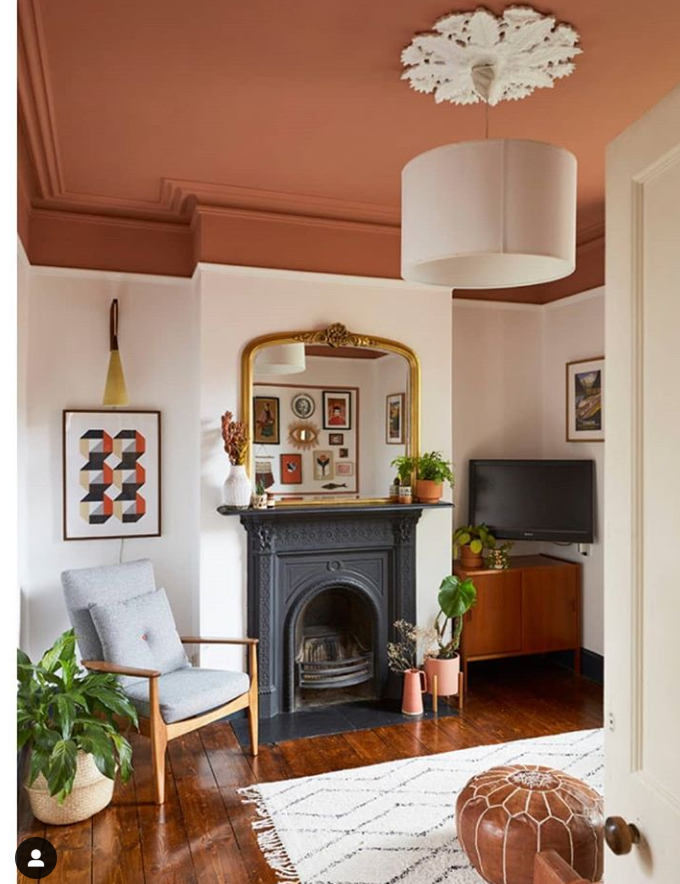 Frieda's painted ceiling in her Sitting Room which updates and modernises the room. Wall Painting ideas from Frieda in Dublin