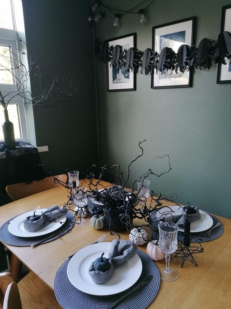 Halloween decorations for table