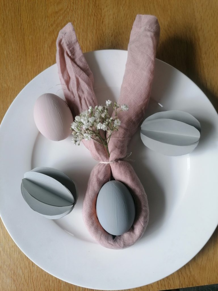 Napkin bunny ears to use as an Easter decoration on your table
